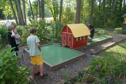 Red Barn Campground Miniature Golf
